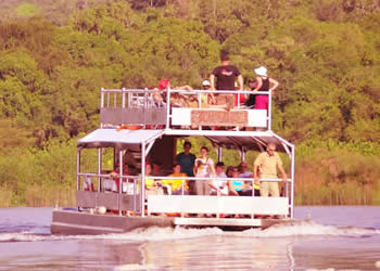 launch cruise in murchison falls